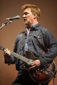 Josh Homme (Queens of the Stone Age) Джош Хомм о клинической смерти и использовании медитации для восстановления жизни.