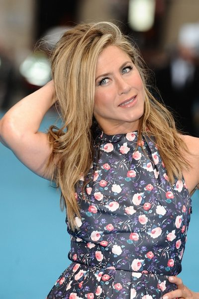 jennifer-aniston-secret-of-beauty-practice-of-tm-meditation