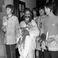 maharishi_beatles_lennon-mccartney-ringo-harrison-transcendental meditation