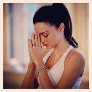 miranda kerr yoga meditation lesson